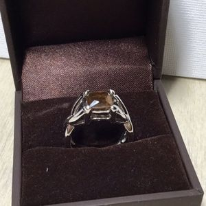 Lia Sophia Ring with square, brown stone